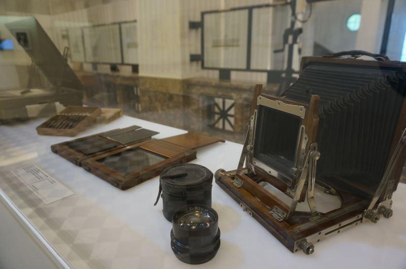 光影如鏡-玻璃乾版影像展_早期相機
