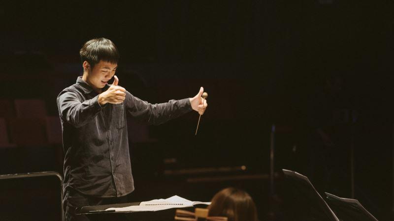 第一名的張智堯將獲得指揮專題音樂會新臺幣8萬元的演出獎勵。