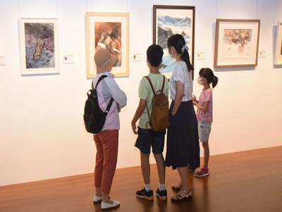 「臺灣國際水彩畫協會聯展」現場參觀民眾-1