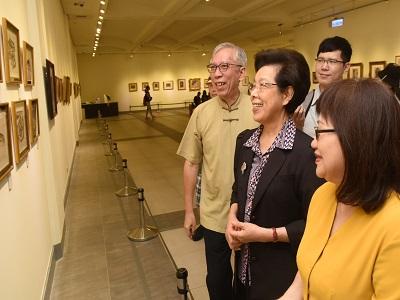 監察院張博雅院長參觀「湧動-張萬傳110歲紀念展」.