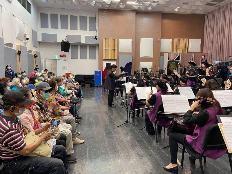 圖1:落實文化平權,臺灣國樂團廣邀身心障礙觀眾參與「國樂頻道」。