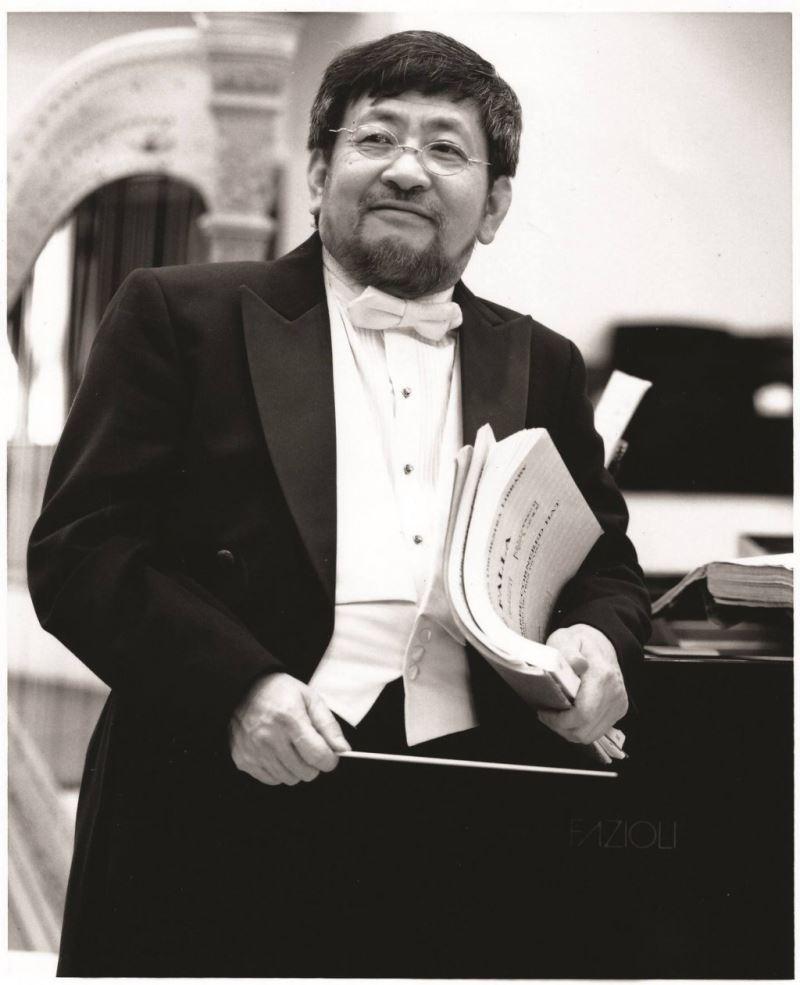 Conductor Felix Chen.