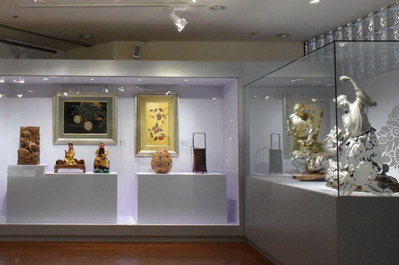 照片6、本展亦展出國寶藝師的經典之作,從此可看見國寶們豎立的標竿典範,從而看見師徒間一脈相承的薪火。