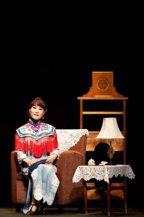 《孟小冬》演出照片。(魏海敏飾孟小冬)(2010)