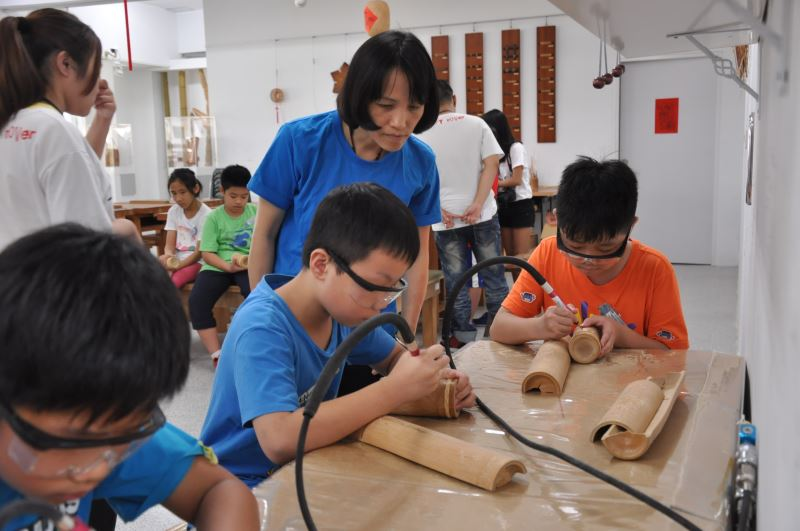 兒童工藝夏令營-製作屬於自己的竹雕筆筒