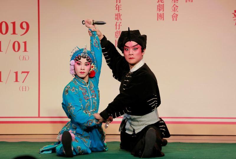台北新劇團:《武松打店》徐國智(右)、林偲婷(左)