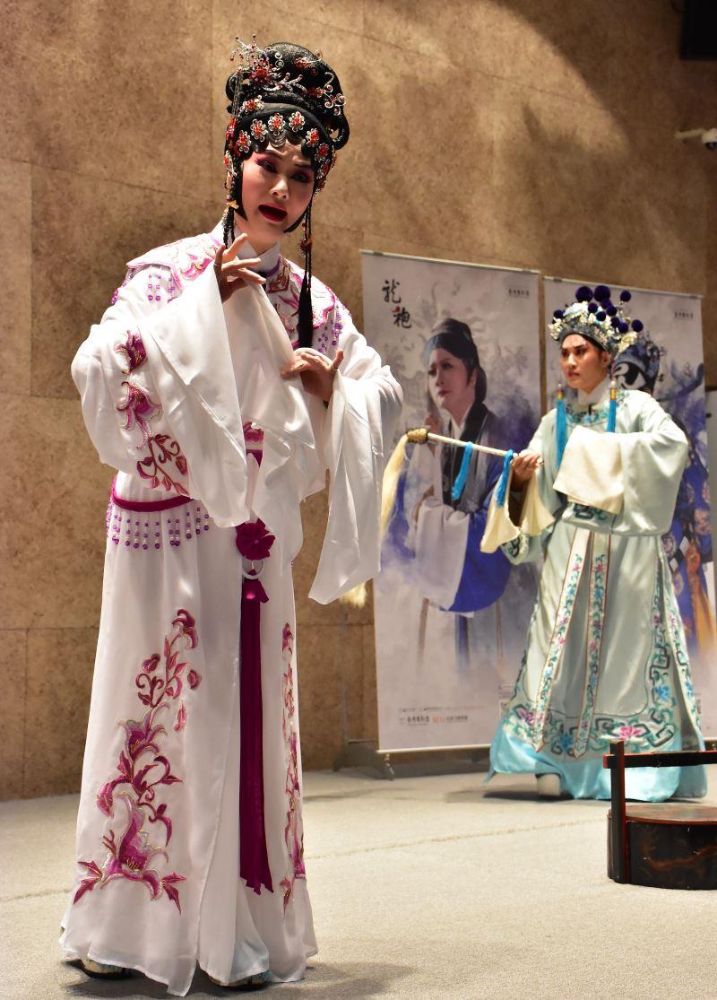 臺灣豫劇團當家花旦蕭揚玲飾寇珠、俊俏王子劉建華飾陳琳