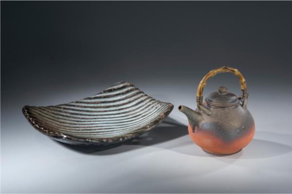方盤和小壺