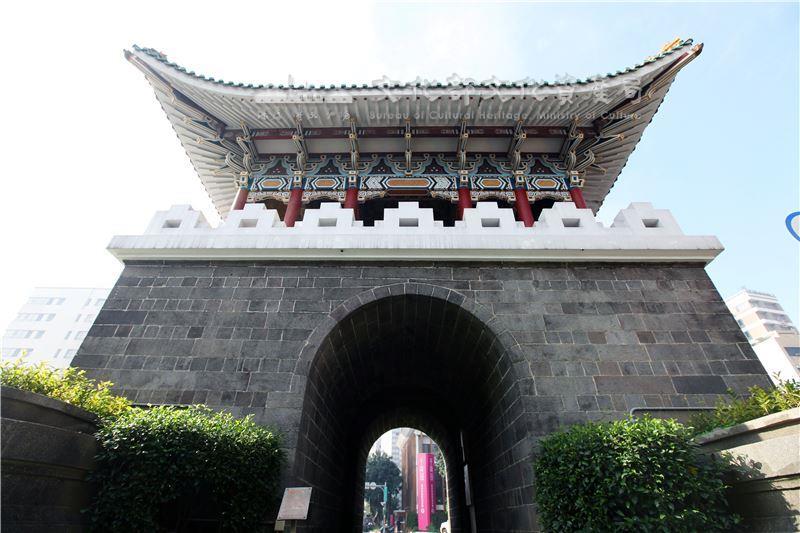 Les anciennes Portes de la ville de Taipei 08
