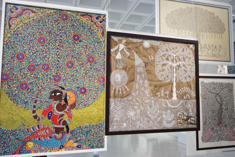此次展覽主視覺(中)印度瓦力族生命之樹-印度馬哈拉施特拉邦