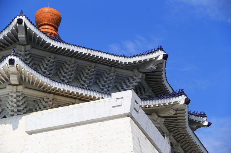 屋簷及寶頂