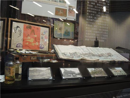 在藝術家眼中,臺灣濕熱的天氣、四季變化的色彩,豐富多元的物種,提供視覺、觸覺、嗅覺、聽覺與味覺五感經驗,吸引他們前來尋找創作靈感與元素。