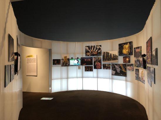 「一個能動的社會」單元中,以拼貼社運照片,搭配社會大眾對社運看法的街訪,以及參與者深層的情感分享,帶觀眾了解臺灣社會對於社運的多元認識。