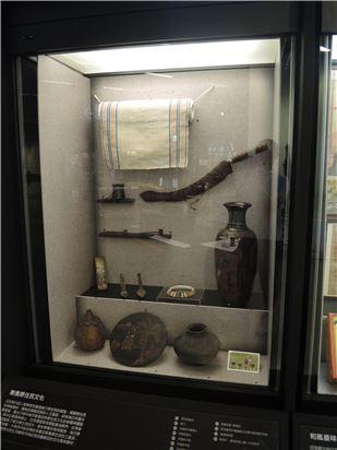 日本時代因人類學家到臺灣進行原住民的調查,揭開原住民的神秘面紗。獨特的南島民族的人文面貌,卻成為日本觀光客最愛。