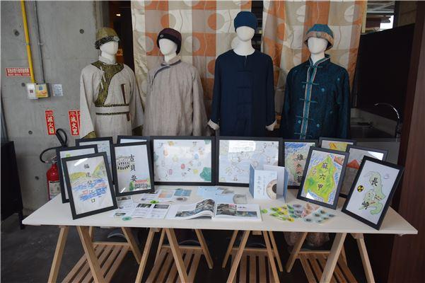 實體展示呈現了南一中學生闖關活動設計與文創商品的成果