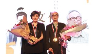 李能棋(李喬)、唐美雲獲行政院文化獎 蘇院長親授獎章