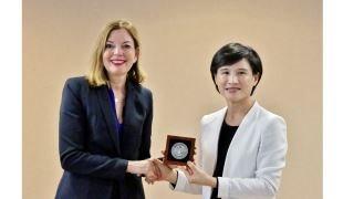 美國助理國務卿瑪麗羅伊斯(Marie Royce)13日拜會文化部長鄭麗君