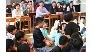 鄭麗君:戲劇教育融入議題教學 透過藝文體驗認識人權