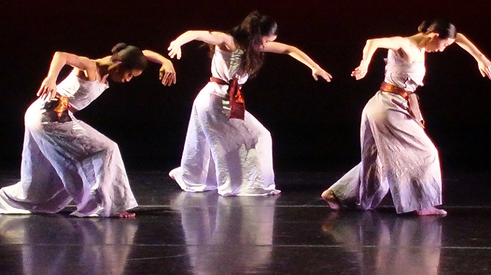 Taipei Cultural Center of TECO in New York and Flushing Town Hall In collaboration with Nai-Ni Chen Dance Company Present CrossCurrent IV with 3 outstanding American Immigrant Dance Artists from Taiwan