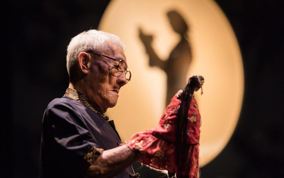 Glove Puppeteer | Chen Hsi-huang