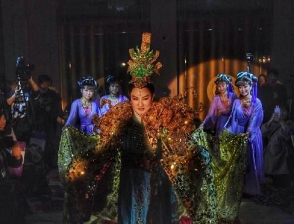 Rapport Series VII: Yang Li-hua