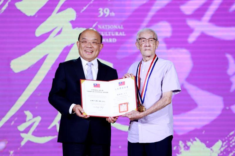 伝統人形劇ポテヒの人形遣い・陳錫煌さん、台湾文化界の最高栄誉「行政院文化賞」を受賞