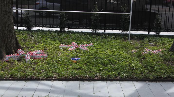 臺灣雕塑藝術家楊春森參加紐約法拉盛市政廳舉辦「地球日」計畫