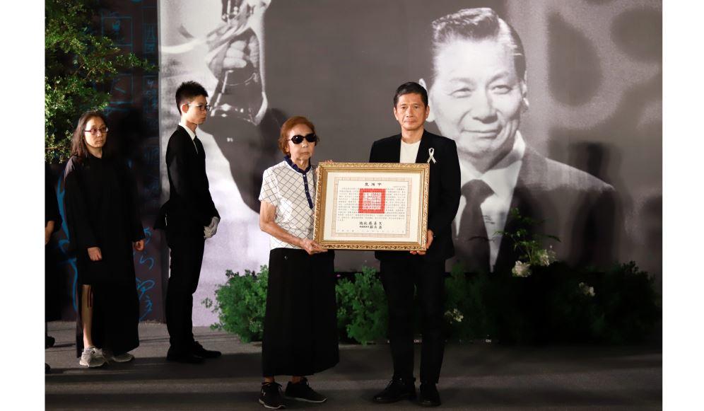 九歌出版社創辦人蔡文甫辭世 文化部長李永得代表頒贈總統褒揚令