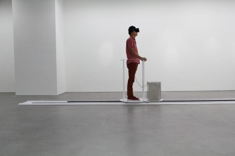 Una exhibición individual de tres instalaciones de realidad virtual de Ya-Lun Tao
