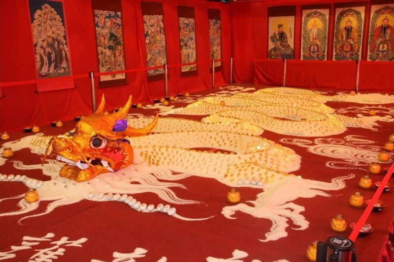 'Rice dragon' paves the way for an auspicious new year