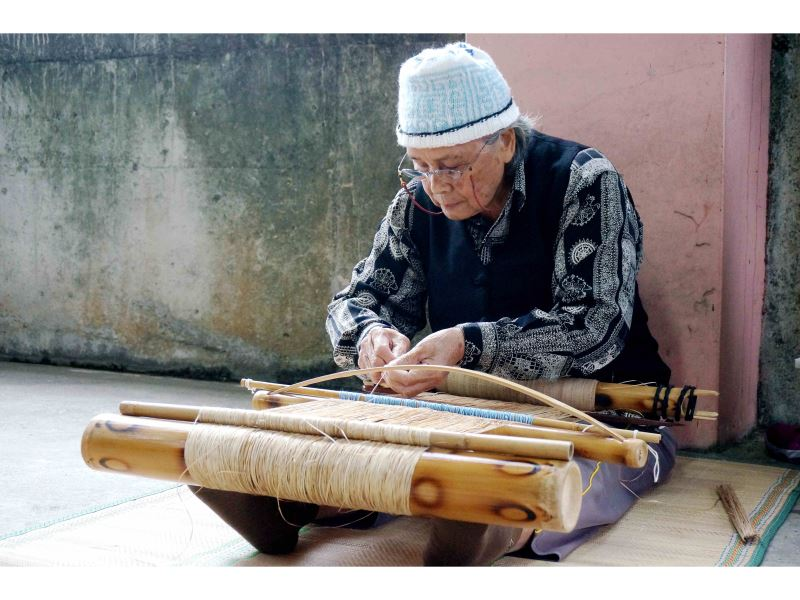 Two indigenous artisans recognized as 'Important Traditional Crafts' preservers