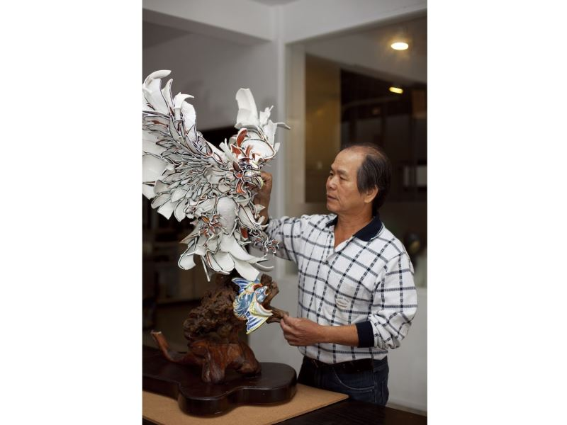 Cut-and-paste ceramics master Chen San-huo receives National Crafts Achievement Award