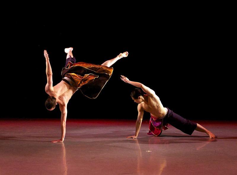 Nai-Ni Chen Dance Company Celebrating Lunar New Year