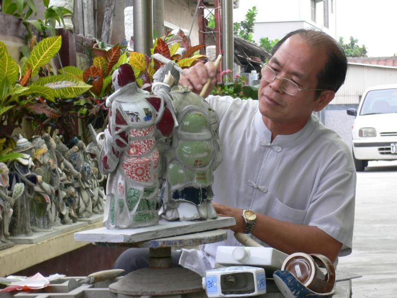 Cut-and-paste Ceramics Master | Chen San-huo