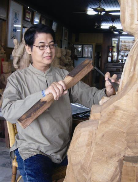 Woodcarving Artist | Chen Chi-tsun