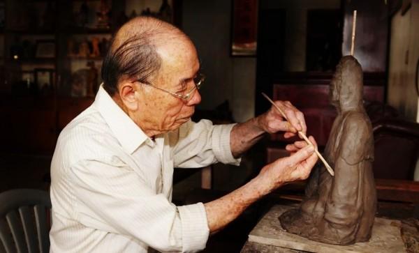 Sculptor | Shih Chih-hui