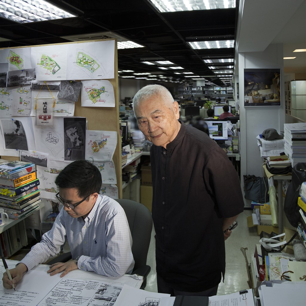 Condolences offered upon the passing of award-winning architect