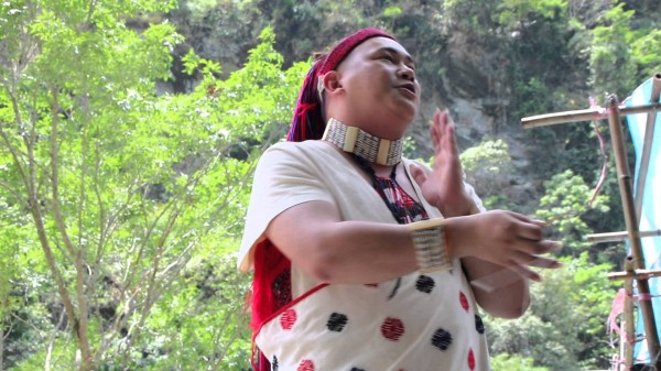 Truku Singer-Songwriter | Dondon Houmwm
