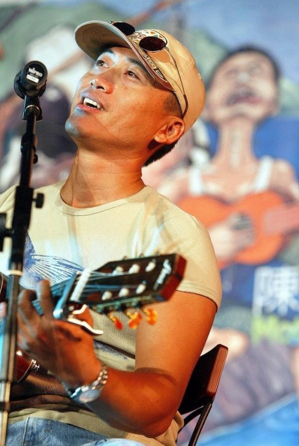 Singer-Songwriter | Chen Jian-nian