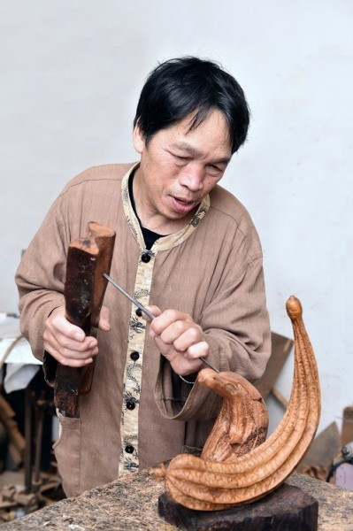 Sculptor | Huang Ma-ching