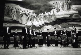 《侍應生狂想曲》-台灣絃樂團及默劇名家王廷家