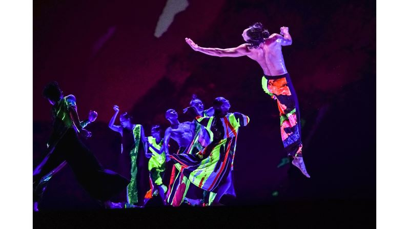BEHIND-THE-SCENES: CREATION OF 13 TONGUES | CLOUD GATE DANCE THEATRE OF TAIWAN | FREE STREAMING