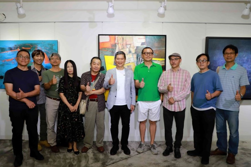 Minister meets with southern Taiwanese creators in Kaohsiung