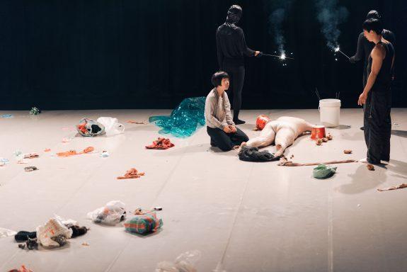 魏于嘉《現世寓言》美國筆會國際劇本藝術節讀劇發表