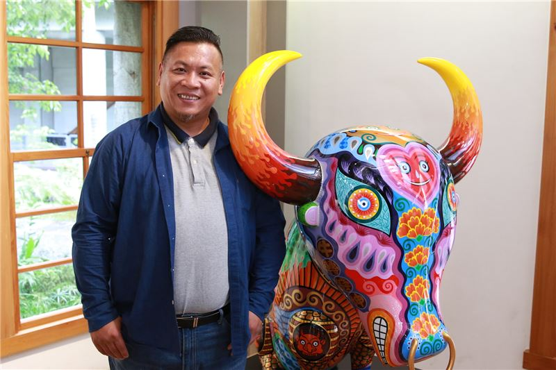 Artista taiwanés inauguró exposición de esculturas en España