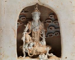 青白釉觀音像暨佛龕
