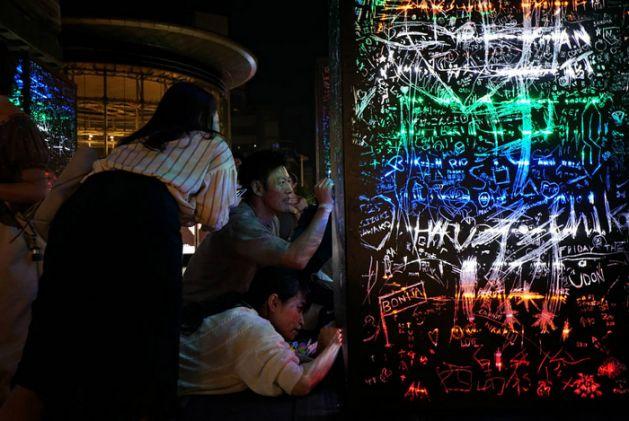 台湾芸術家チーウェイ・チョアンさんの作品、六本木アートナイトで展示