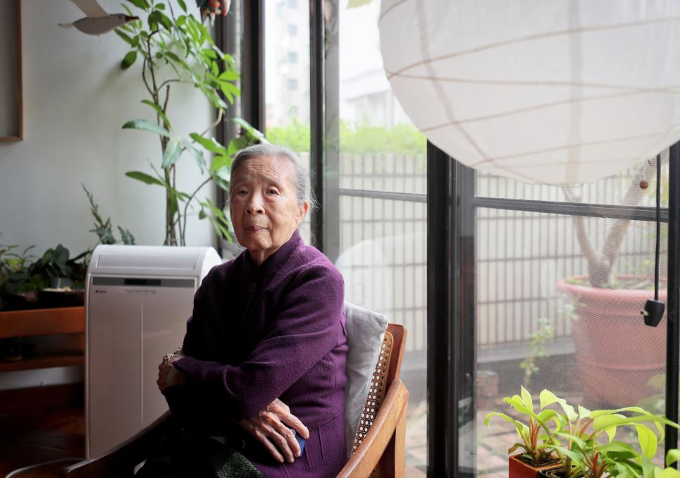 図書館の母 | 王秋華