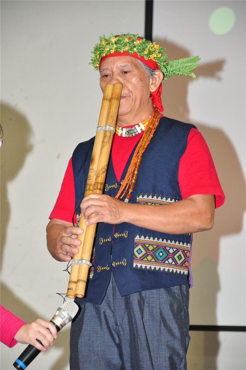 Paiwan Nose Flute Musician | Gilegilau Pavalius