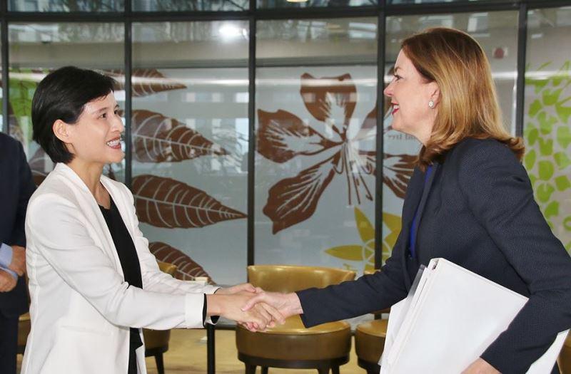 Marie Royce et Cheng Li-chiun évoquent les coopérations culturelles taiwano-américaines